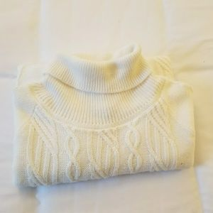 Cream colored Alfred Dunner Sweater Small